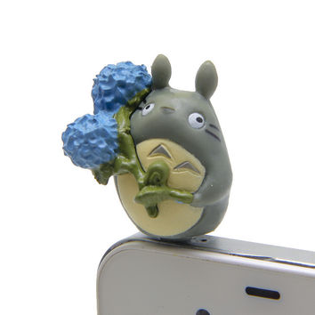 Different Shape Cute 3D Hayao Miyazaki Totoro Mobile Phone Earcap Earphone Stopper For Iphone  Anti Jack Dust Plug Cover 3.5mm