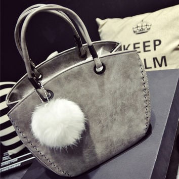 New Fashion Women Shoulder Bag Vintage Winter Woman Handbags Lovely Suede Messenger Bag Crossbody Bag With Wool Ball Mujer Bolso