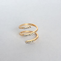 Down Spiral Crystal Ring In Gold