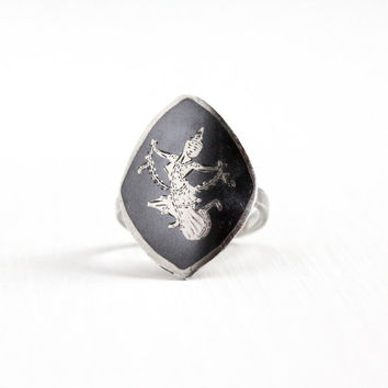 Vintage Sterling Silver Dark Gray Niello Siam Ring - 1940s Size 6 3/4 Thai Thailand Goddess Shield Statement Jewelry