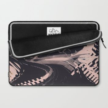 Static Laptop Sleeve by duckyb