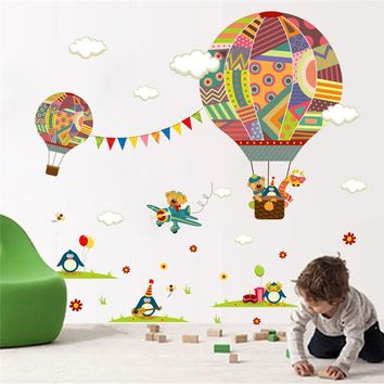 colorful Hot Air Balloon Forest Animals Nursery Room wall sticker Bear Giraffe children 's room Decor Wall Decals Poster Mural