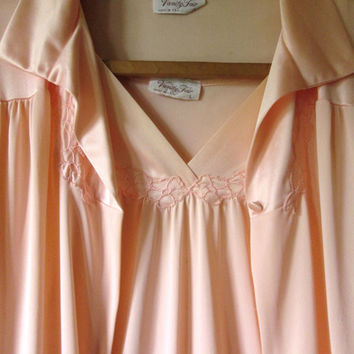 Vanity Fair Peignoir Set robe nightgown vintage 60s silky lingerie romantic honeymoon lingerie peach cantaloupe Mad Men style women large