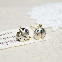 Tiny Lady Bug studs earrings in matt silver