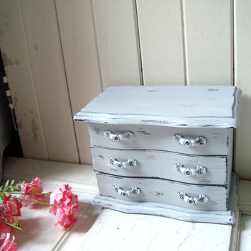 Paris Grey Vintage Jewelry Box, Light Gray Jewelry Holder, Distressed Jewelry Chest, Cottage Chic, Gift Ideas, Beach Chic