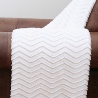 Aiden Sculpted Chevron Throw - Bright White