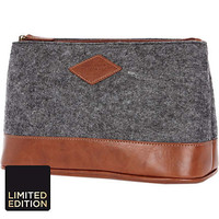 Grey textured wash bag  - grooming - gifts - men