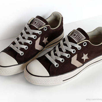 Suede Converse All Stars, leather low tops, chocolate brown, cream, vtg sneakers, kicks, size eu 39/39.5 (UK 6/6.5, US wo's 8/8.5, US men 6)