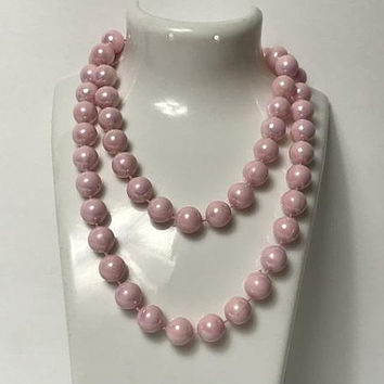 Vintage Pastel Pink Faux Pearl Necklace / Large Pearlescent Pink Beads / Blush Pink Beaded Wedding Necklace / Pale Pink Pearl Bridal Jewelry