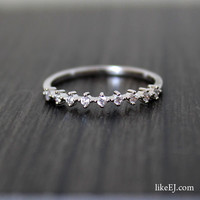 Simple Delicate Ring