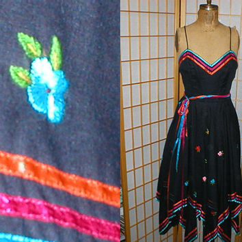 Vintage 80s embroidered mexican dress with shawl womens by antique