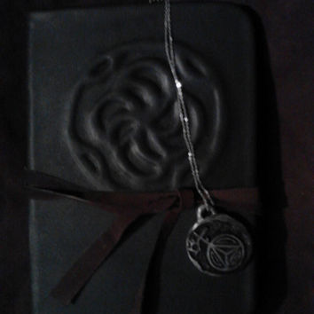 Book of Shadows Cassie Blake and Necklace (Secret Circle) Book is Blank