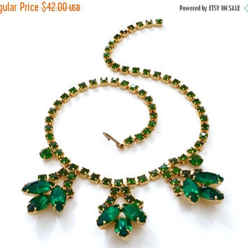 Emerald Green Rhinestone Necklace, Emerald green Marquise & Chaton Cut Stones, Gold Tone, Wedding Jewelry, Vintage Bridal, Special Occasion