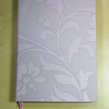 Handmade High Quality Notebook: Light Purple Damask A5
