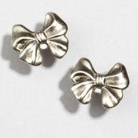 fredflare.com | 877-798-2807 | metallic Brittany bow earrings