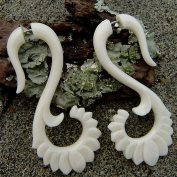 Fake Gauge Earrings - Natural White Bone Fancy Spiral Tribal Expanders Hand Carved Organic Fake Piercings