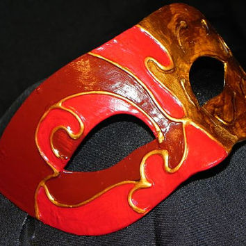 Maestro Mask in Bronze, Red and Burgundy