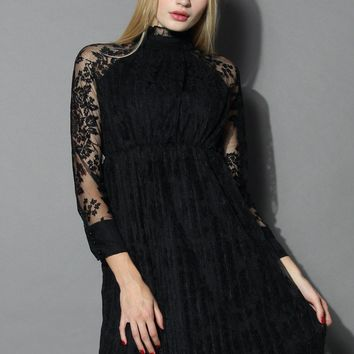 Retro Elegance Lace Dress in Black