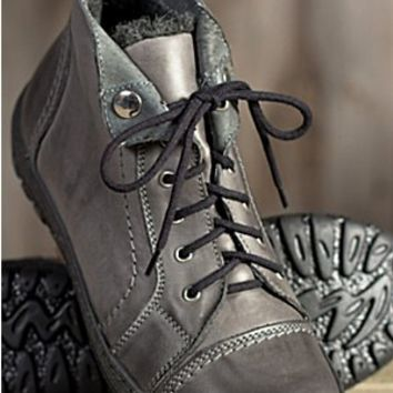 Women's Tucker Lace-up Leather Boots with Wool Lining