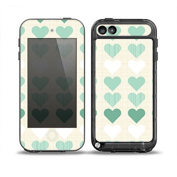 The Scratched Vintage Green Hearts Skin for the iPod Touch 5th Generation frē LifeProof Case