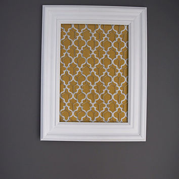 White Framed Chicken Wire Organizer / Memo Board / Jewelry Hanger / Yellow & White Moroccan tile