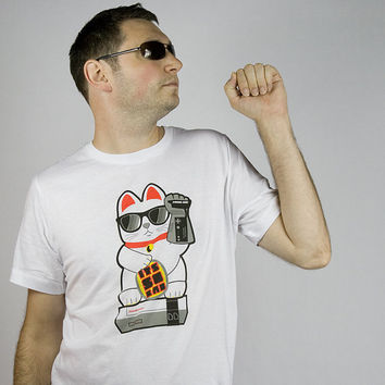 Lucky Cat gamer tshirt gaming manekineko shirt funny kawaii tee