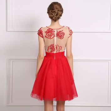 Scoop Neck Tulle Cap Sleeves Short Cocktail Dresses Red A Line Mini Beaded Cocktail Dresses