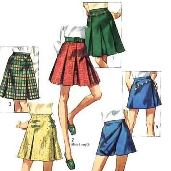 Vintage 60s Sewing Pattern Pleated Scooter Mini Skirt Simplicity 8397