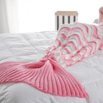 The new wave fight color mermaid blanket tail tail knitted blanket air - conditioning blanket sofa warm blanket Pink