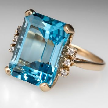 Retro Vintage 16 Carat Blue Topaz Cocktail Ring 10K Gold