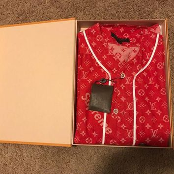 DCCKIN2 SUPREME x LOUIS VUITTON Monogram Red Denim Baseball Jersey Shirt Size small