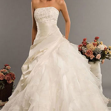 Classic Style Vestidos De Noiva A Line Robe De Mariage Strapless Applique Bridal Gown Wedding Dress 2016 Chapel Train YN0120