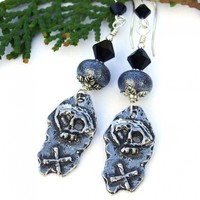 Rustic Skull and Crossbones Earrings, Pirate Day of the Dead Halloween Jewelry for Women