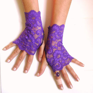 Amethyst Purple  lace gloves free ship wedding prom bridal burlesque steampunk noir gypsy lolita cocktail tea party bridesmaid gift