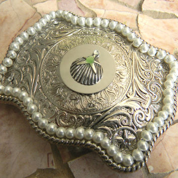 Sea Glass Belt Buckle, Pearl Womens Clam Shell Buckle, Beach Bride Beach Wedding, Green Seaglass Beach Glass, Silver Starfish, Star Fish