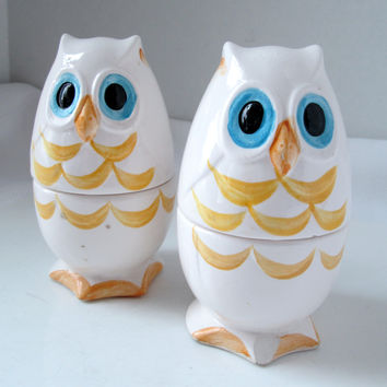Vintage Owl Salt and Pepper and Egg Cup Set Mod Style