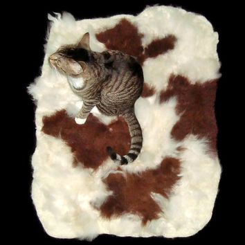 Alpaca Cat Bed Cruelty Free Rustic Primitive Felted Fleece Rug - CowPaca - Supporting Small US Farms - Not a Skin - Better - Ready to Ship