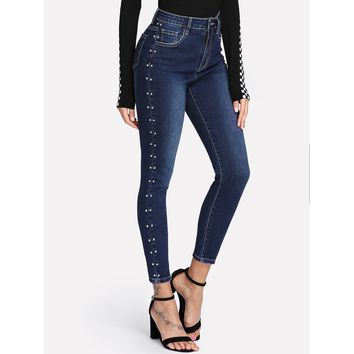 Studded Sideseam Bleached Jeans.