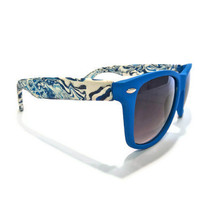 Unique White and Blue-faced Wayfarers