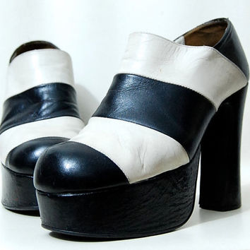 90s Leather PLATFORM Shoes Boots Black & White Stripe Two tone Club kid Grunge 1990s vtg 7