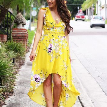Sunny Days Ruffle Sleeve Floral Print Hi-Lo Maxi Dress (Yellow)