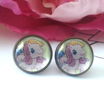 Sweet Mini Pony Stud Earrings - Studs - Earrings - Fake Plugs - Plugs - Faux Plugs - Kitsch - Kitsch Earrings - Kitsch Jewelry - Pony