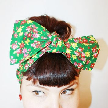 Bow style, Vintage Inspired Head Scarf, Spring Flower Garden, Retro