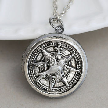 ON SALE Silver Compass Locket Necklace, Wedding, Nautical,Wedding,Bridal Jewelry,Bridesmaids Gift
