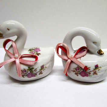 Vintage Pair of Collectable Porcelain Swan Figurines, Made in China