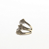 3 Arrow Ring