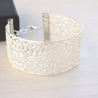Bridesmaids Silver Cuff,Silver Wedding Bracelet, Arm Cuff  ,Bridal Silver Bracelet, Statement Filigree Bracelet