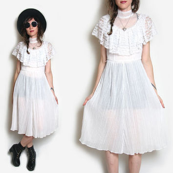 70s Lace Dress // Victorian Dress // 70s Dress // 70s Boho Dress // Bohemian Wedding Dress // White Lace Dress // Midi Dress // Gunne Sax