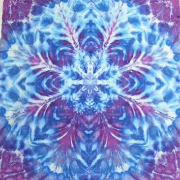 tie dye tapestry wall hanging purple blue