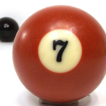 vintage 70s pool ball number 7 seven dark red resin billiard collectible object decorative home decor altered art game room men modern retro